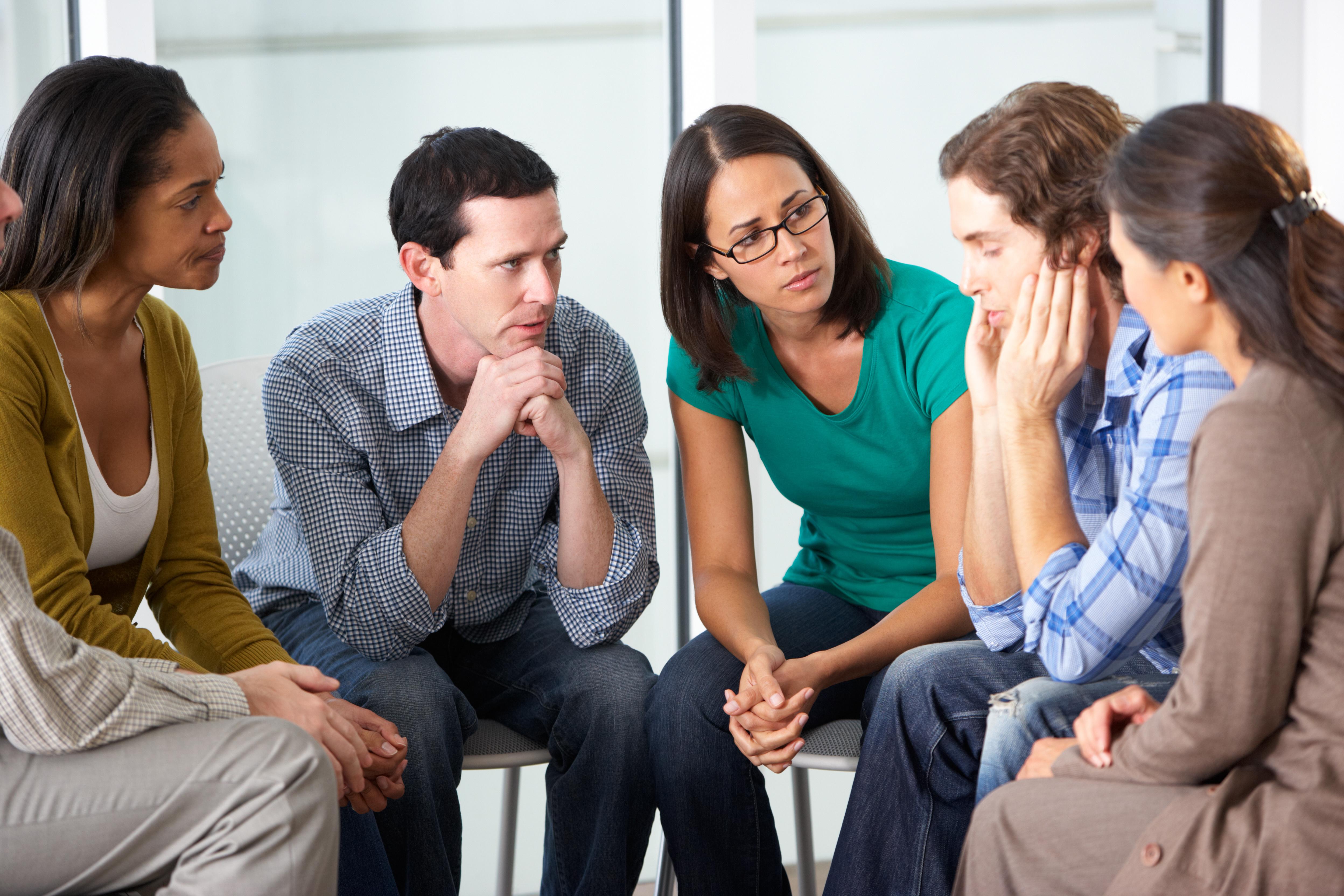 Как проявляется депрессия: причины, симптомы, консультации психологов и психотерапевтов, диагноз, лечение и восстановление психологического состояния человека