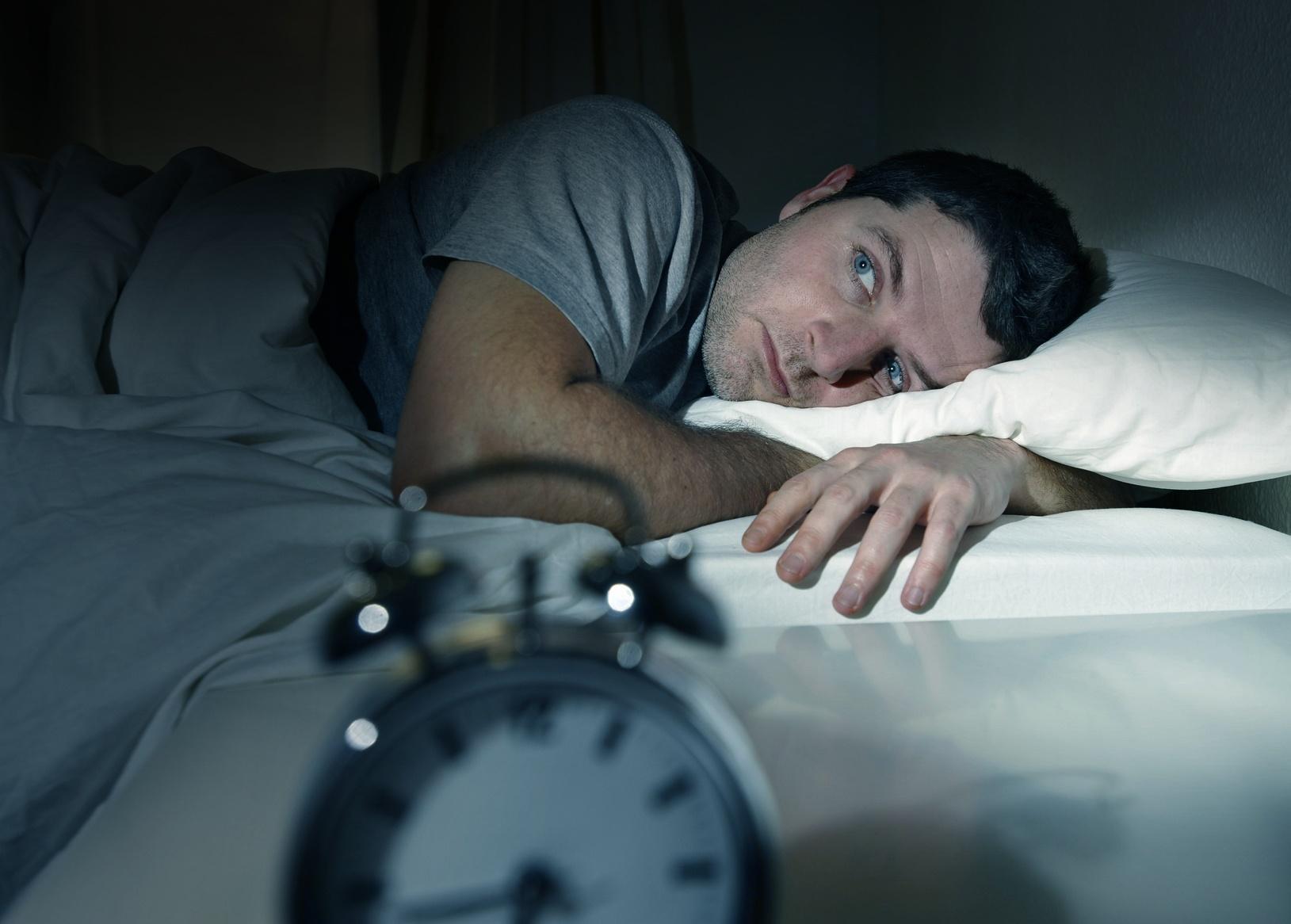 Бессонница при депрессии - виды, причины, опасность, терапия
