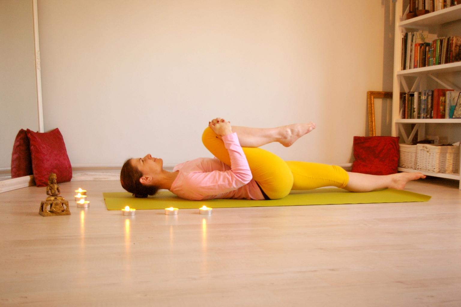 Йога при повышенной тревожности: 10 поз для снятия стресса | smartyoga: йога для здоровья и йогатерапия в москве