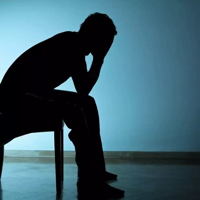 Как помочь выйти мужчине из депрессии