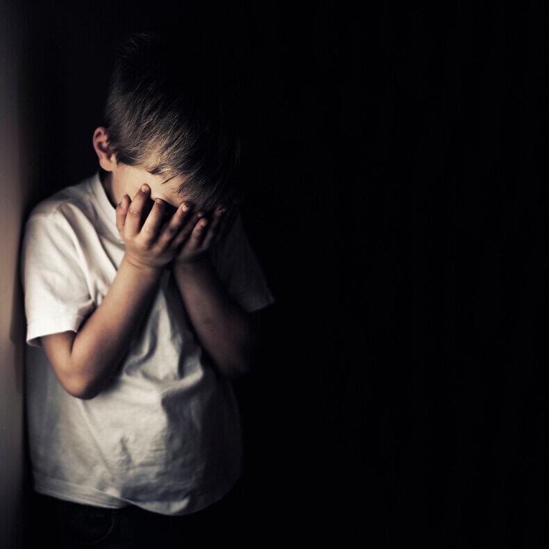 Бывает ли депрессия у детей: как распознать и что делать?