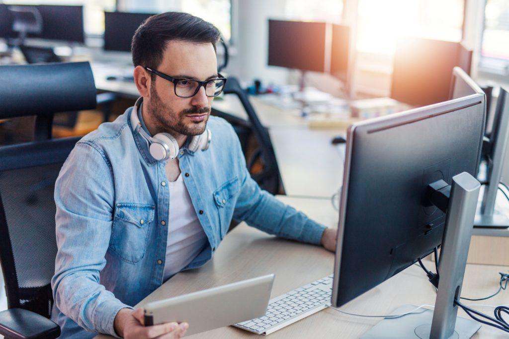 вакансии удаленная работа программист