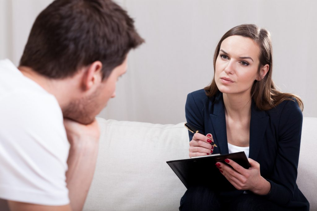 Как справиться с депрессией: лечить таблетками или работать над собой? как избавиться от депрессии