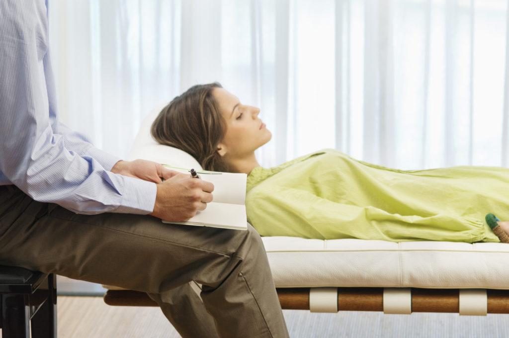 Лечение послеродовой депрессии ✧ причины ✧ как выйти ☎