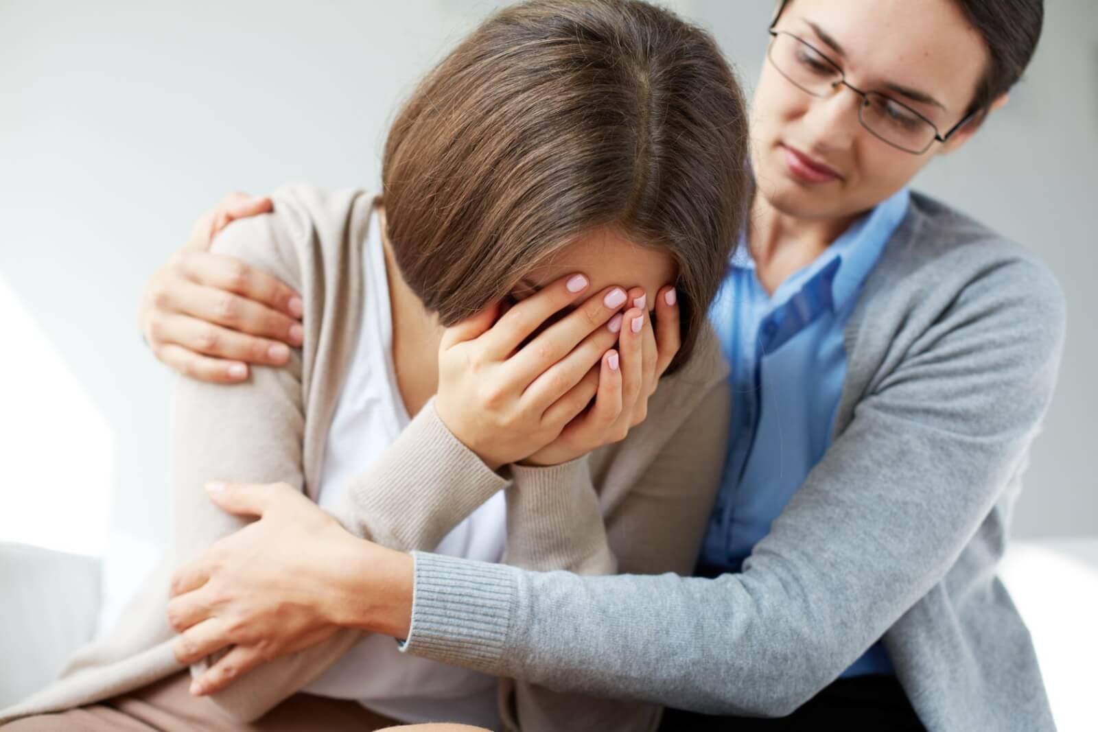 Признаки и терапия депрессии с психотическими симптомам