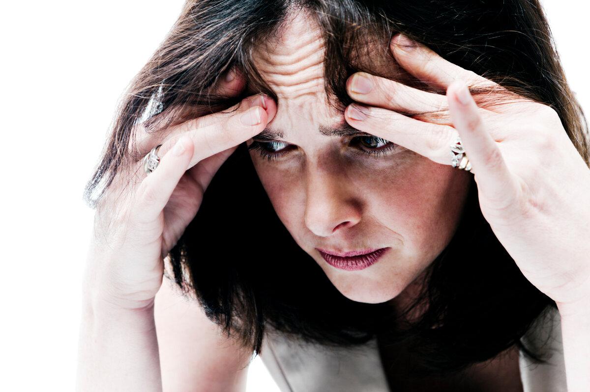 Клиническая депрессия: симптомы и лечение большого депрессивного расстройства