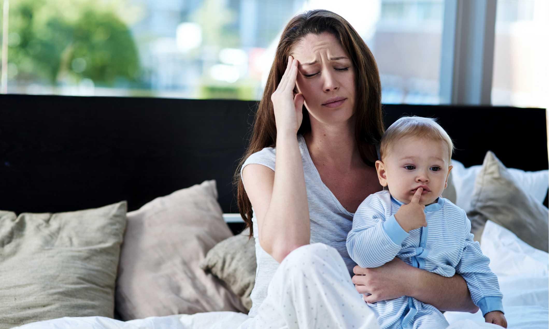 Послеродовая депрессия: симптомы и признаки, как бороться