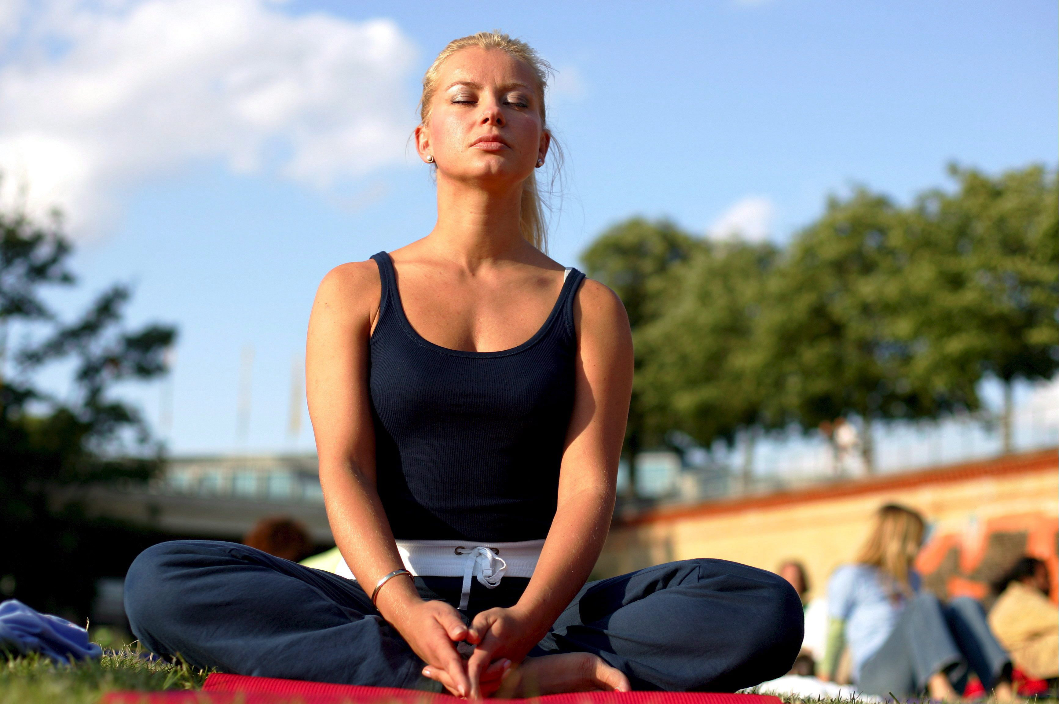 Йога при депрессии ослабляет симптомы биполярного аффективного расстройства психики