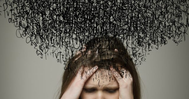 Глубокая депрессия: что это такое, симптомы и признаки затяжной патологии, лечение длительного, многолетнего состояния, во что может перерасти