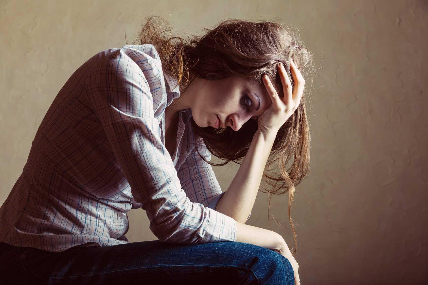 Как выйти из глубокой затяжной депрессии: симптомы, признаки и лечение
