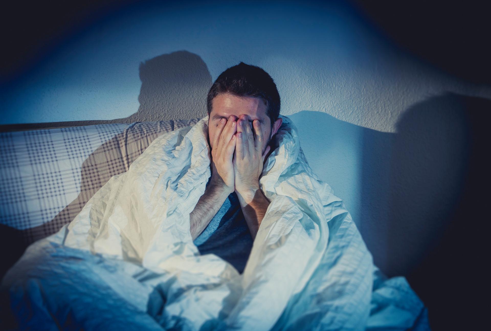 Лечение бессонницы при депрессии: антидепрессанты, народные средства, специальные таблетки
