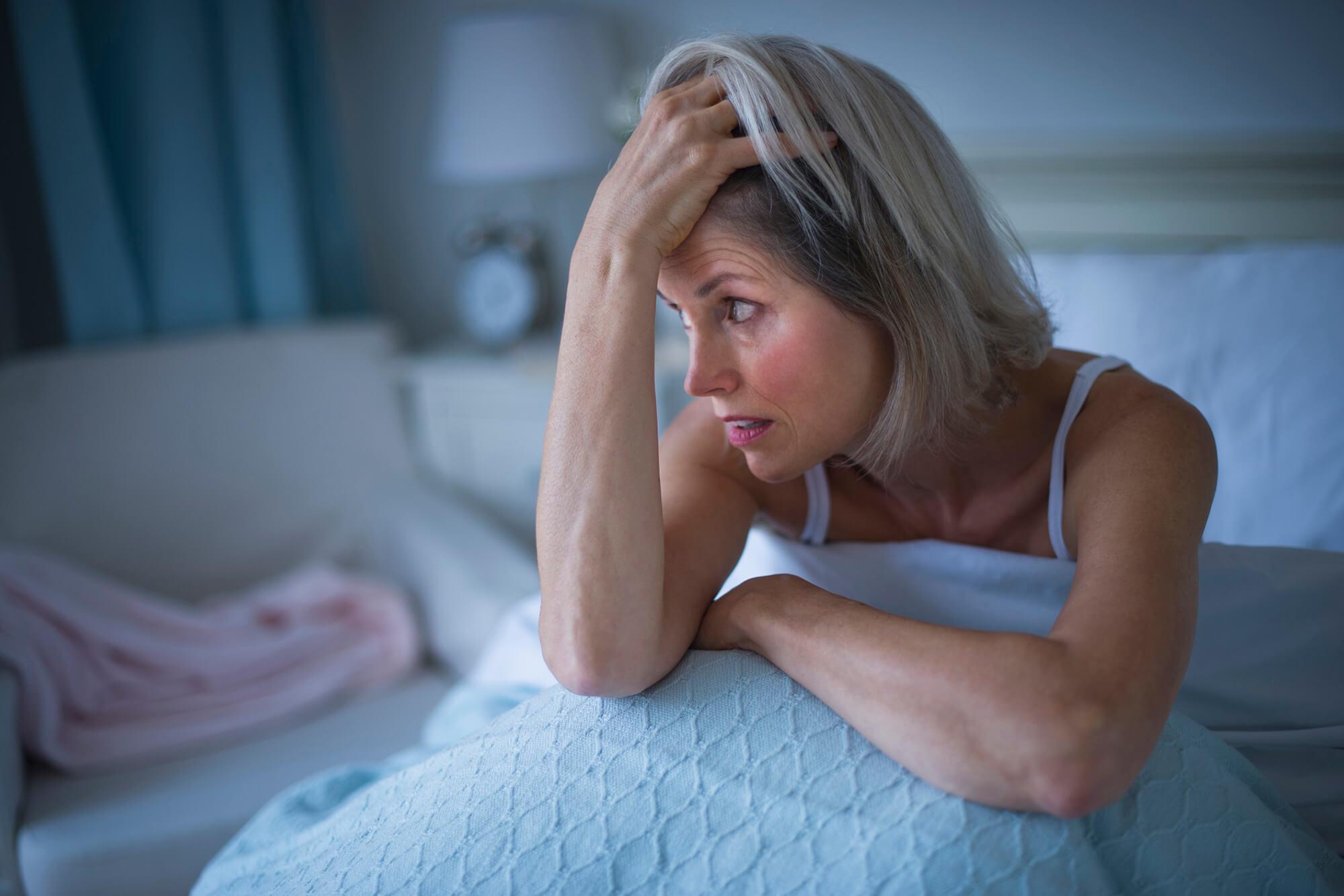 Депрессия при климаксе: причины, симптомы и диагностика, лечение