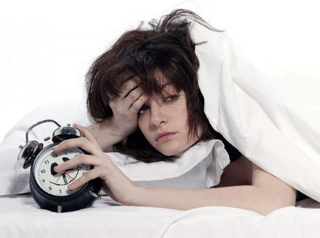 Симптомы и признаки бессонницы: как проявляется бессонница и каковы причины появления бессонницы у женщин и мужчин?